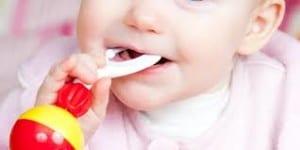 Bayi Rewel Saat Tumbuh Gigi
