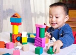 Tips Merangsang Otak Bayi