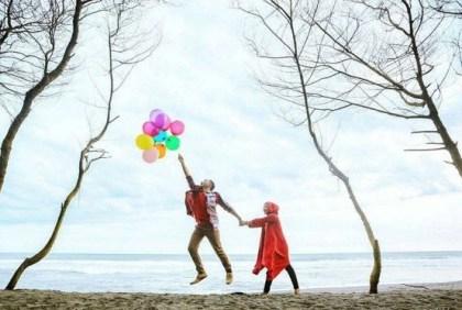 ide prewedding outdoor simple tema balon   HamilPlus.Com 2021