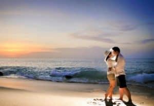 photo prewedding di pantai 2 | HamilPlus.Com 2021