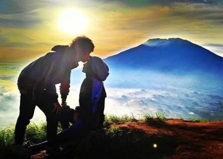 prewedding di gunung epic moment | HamilPlus.Com 2021