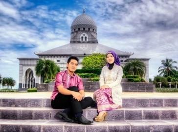 prewedding di masjid editing warna dan gradasi