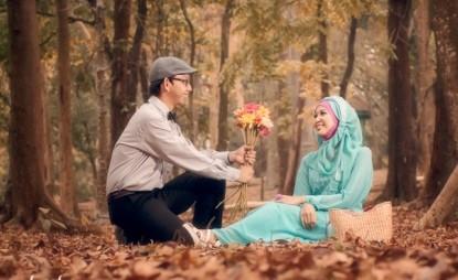prewedding vintage hijab di hutan kebun | HamilPlus.Com 2021