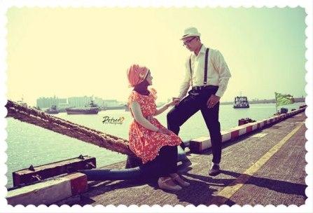 prewedding vintage hijab di pelabuhan dermaga | HamilPlus.Com 2021