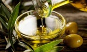 Manfaat minyak zaitun untuk wajah (2)