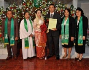 Kebaya modern pengantin Kristen