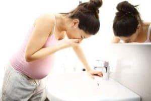 mual hamil atau maag