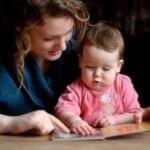Tips Berbicara Kepada Bayi Sejak Dalam Kandungan