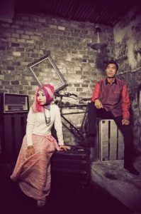 prewedding islami indoor