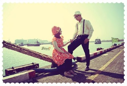 prewedding vintage hijab di pelabuhan dermaga   HamilPlus.Com 2021