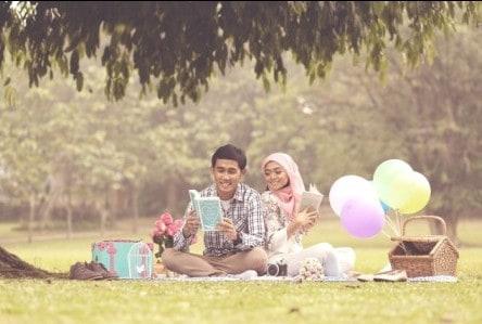 prewedding vintage hijab tema piknik   HamilPlus.Com 2021