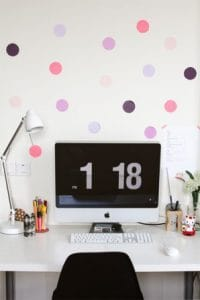 hiasan dinding kamar dari kertas polkadot kertas warna warni | HamilPlus.Com 2021