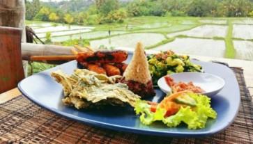things to do Ubud Sari Organik and Café Pomegranate