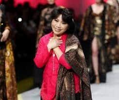 Desainer kebaya modern Indonesia anne avantie Desainer kebaya modern Indonesia anne avantie