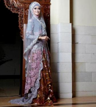 Kebaya Anne Avantie Hijab Terbaru Untuk Wanita Muslimah 2019