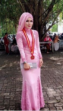 Kebaya Long Dress untuk Muslimah
