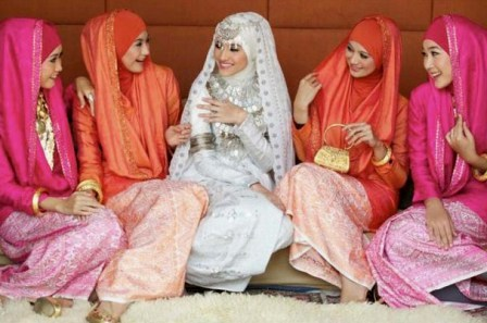 Model Kebaya Pengantin Muslim Syari