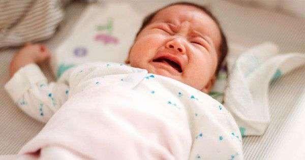 bayi 1 bulan rewel di malam hari begadang tidak mau tidur